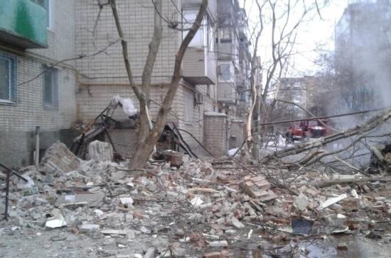 На месте взрыва газа в доме в Шахтах работают взрывотехники ОМОНа