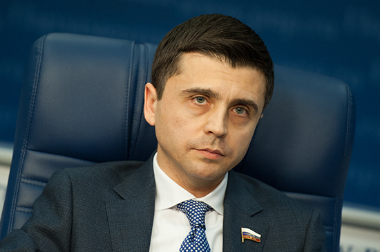 В Госдуме оценили план нового прохода кораблей Украины через Керченский пролив