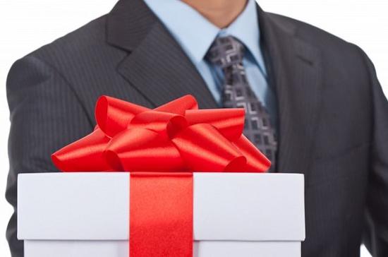 В России определят перечень разрешимых подарков для госслужащих