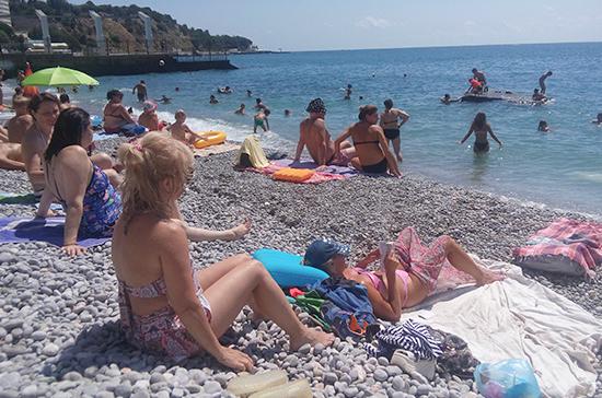 Крымские пляжи будут готовы к 1 мая