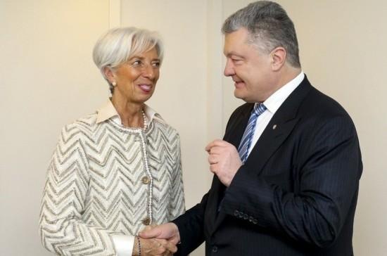 Лагард в разговоре с Порошенко указала на необходимость ускорить реформы на Украине