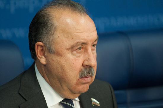 Газзаев призвал поддержать отрасль производства минеральной воды