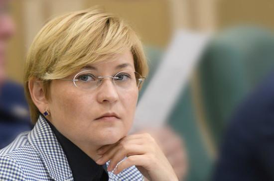 Регистрация мобильных телефонов поможет бороться с кражами и мошенничеством, заявила Бокова