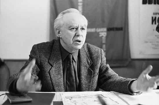 Умер историк архитектуры и реставратор Владимир Резвин
