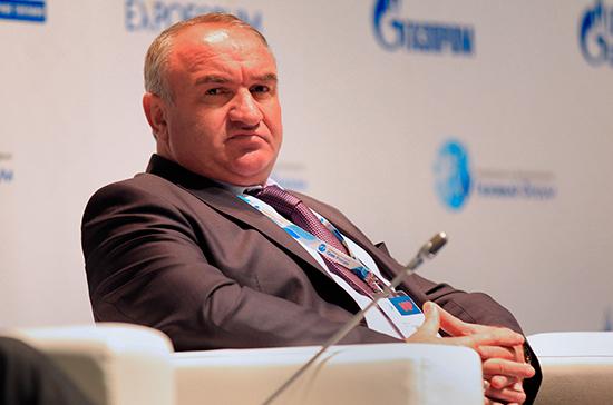 Отца сенатора Арашукова подозревают в хищении газа на 30 млрд рублей
