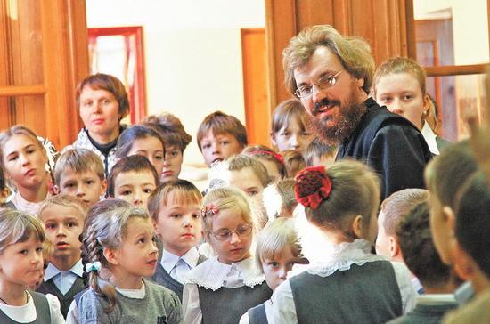 РПЦ предлагает увеличить финансирование православных школ и детских садов