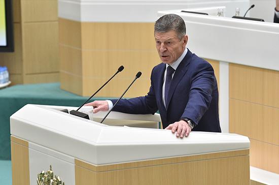 Правительство рассчитывает удержать рост цен на ГСМ на уровне инфляции, заявил Козак