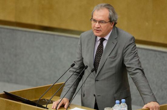 Паллиативную помощь в регионах нельзя оказывать без участия НКО, считает Фадеев