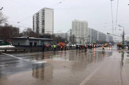 Движение по Липецкой улице от МКАД в центр перекрыто из-за подтопления