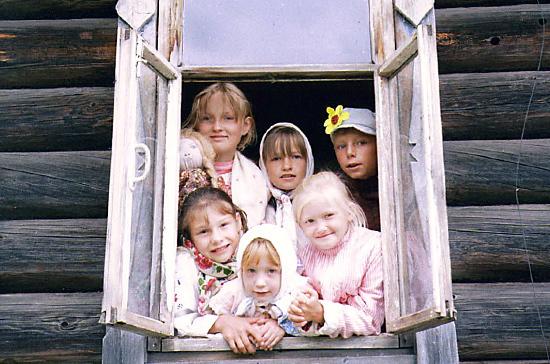 Сельским жителям с семью и более детьми предлагают выдавать жилищные субсидии