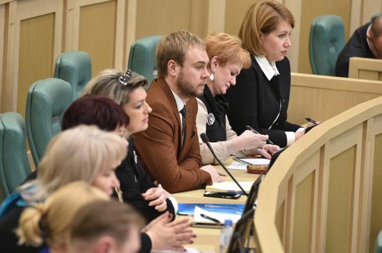 Матвиенко предложила ежегодно проводить встречи с руководителями детских театров