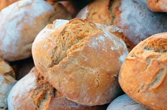 В больницах и школах предложили кормить витаминизированным хлебом
