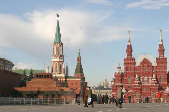 Мавзолей Ленина закроют для посетителей на два месяца