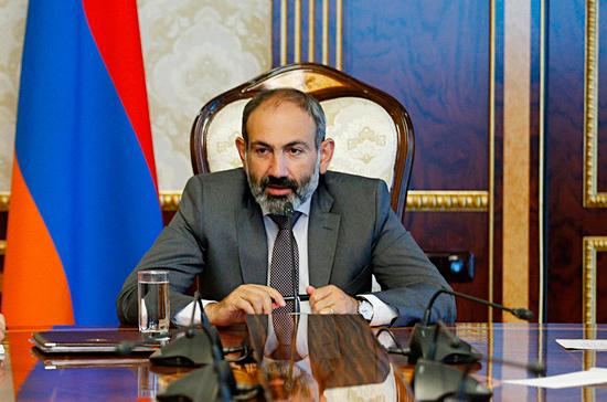 Пашинян представляет в парламенте Армении программу правительства