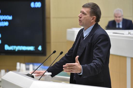 Глава Минюста предложил обязать родителей содержать детей-студентов
