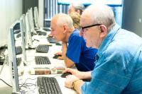 Для петербургских предпенсионеров зарезервируют рабочие места
