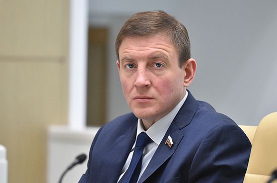 «Единая Россия» создаст реестр захоронений ветеранов боевых действий