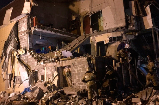На месте частичного обрушения жилого дома в Красноярске нашли тело женщины