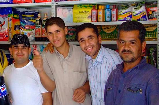 СМИ: более двух тысяч магазинов возобновили работу на рынках Алеппо