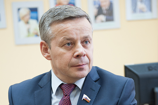 Карамышев: жителям села нужно обеспечить комфортные условия для жизни