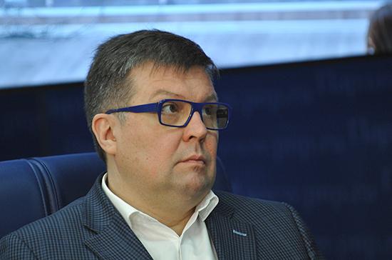 Эксперт: руководить парламентом Молдавии будет неформальная фракция имени Плахотнюка