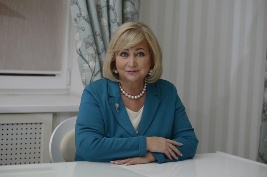 Вторыгина оценила предложение Милонова отменить шестидневку в школах