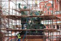Как в России собираются «двигать» памятники