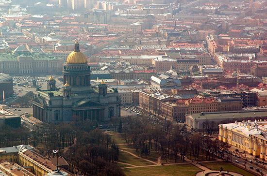 Петербургские депутаты намерены помочь бездомным с жильём