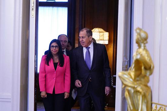 Вице-президент Венесуэлы заявила о готовности республики поставлять в Россию нефть
