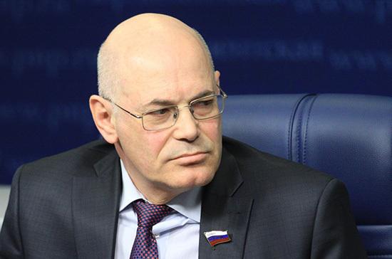 Круглый заявил о недопустимости введения новых штрафов для врачей