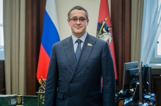 Председатель Мосгордумы поздравил женщин с 8 Марта