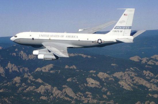 Военный самолет США пролетел над территорией России