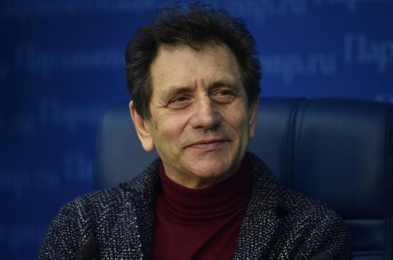 Евгений Князев: трудовой контракт людей творческих профессий не может быть бессрочным