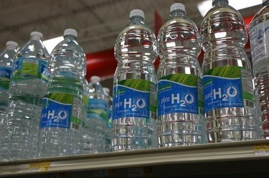 За качеством упакованной питьевой воды станет следить Роспотребнадзор