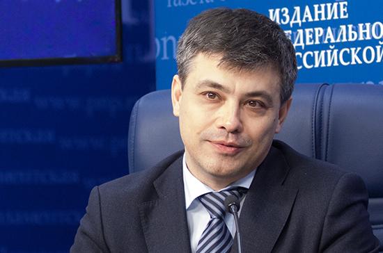 Морозов сообщил о работе над законопроектом о школьной медицине