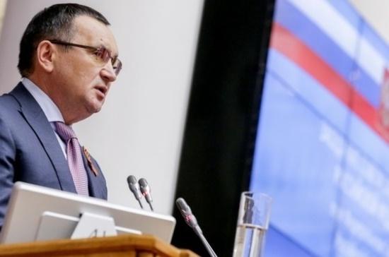 В Совфеде предложили рассмотреть вопрос о награждении адмирала Касатонова