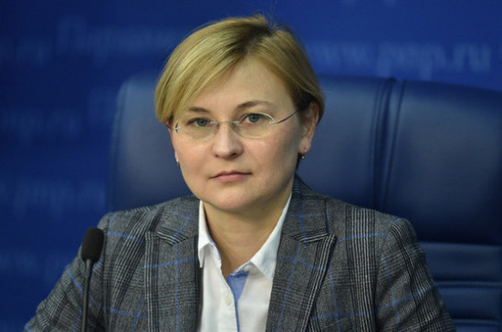 Бокова призвала совершенствовать законодательство для развития big data