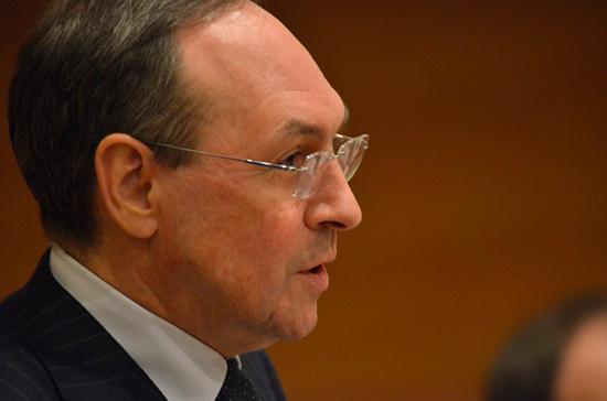Никонов прокомментировал заявление Болтона о причине осложнения отношений России и США