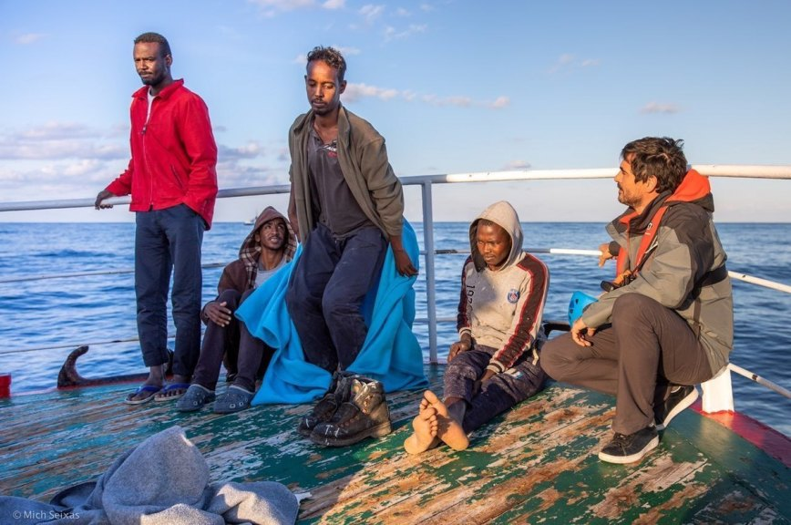В Италии наложили арест на судно, доставившее в страну группу мигрантов