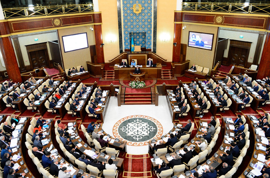 Парламент Казахстана проведет заседание 20 марта