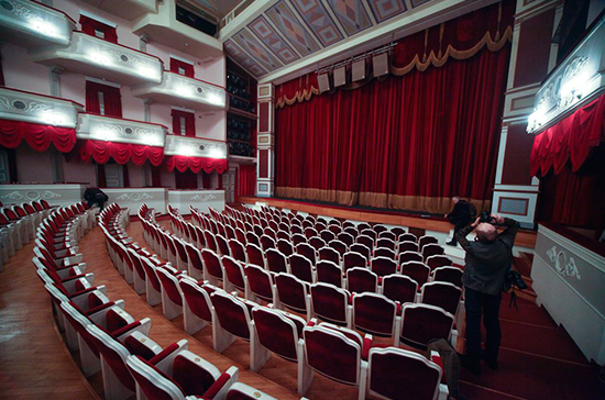 Закон о госзакупках мешает людям театра
