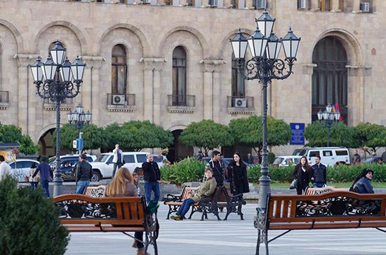 Парламентарии Армении вышли на традиционный субботник