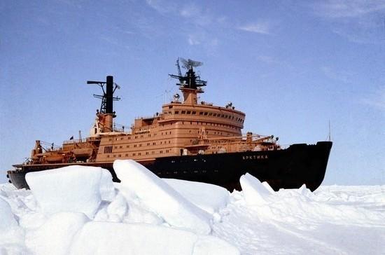 Ледоколы пройдут Северный морской путь по новым правилам