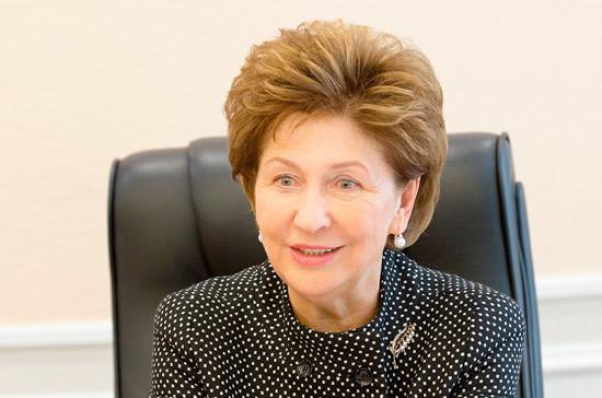 Карелова: необходимо выстроить комплексную систему поддержки многодетных семей