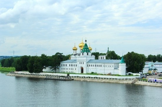 Ипатьевский монастырь был основан татарским мурзой