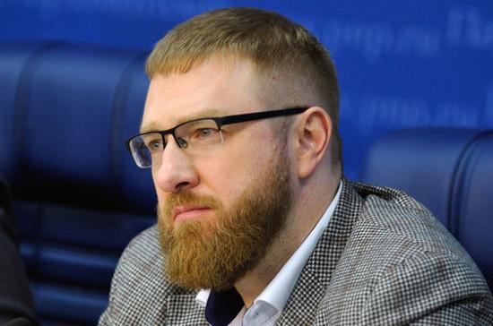 Малькевич: самонадеянность может помешать Порошенко выиграть второй тур выборов