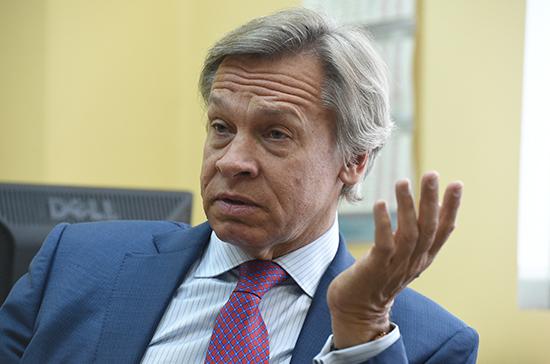 Пушков назвал завышенным результат Порошенко в первом туре выборов президента Украины