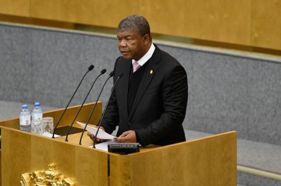 Президент Анголы призвал развивать деловые контакты с Россией