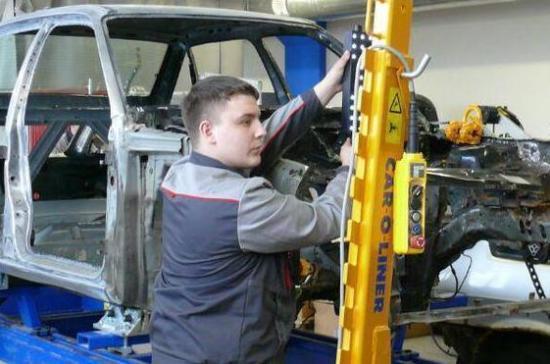Более 30 выпускников подмосковного колледжа взяли на работу на новый автозавод