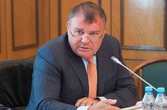 Ремезков отметил важность закона о налоговых льготах для бизнеса и многодетных семей